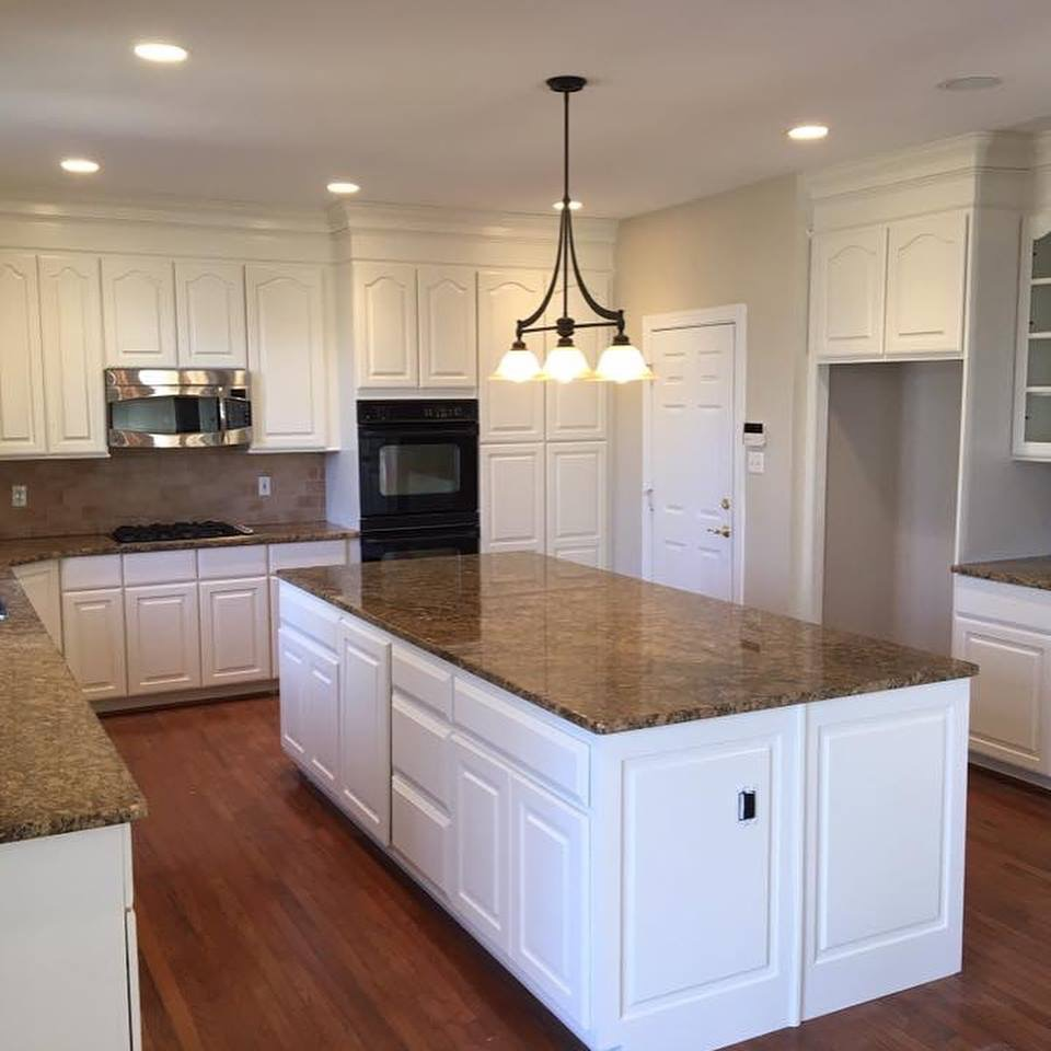 Redoing Kitchen Cabinets: Complete Cabinet Refinishing