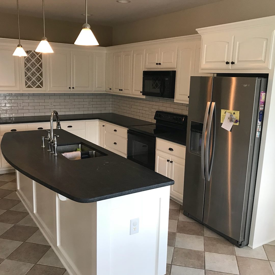 Kitchen Cabinet Renovations: KITCHEN CABINET REFINISH TO GO WITH NEW COUNTERTOPS AND